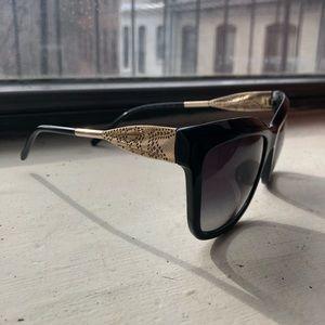 Burberry black/silver glasses